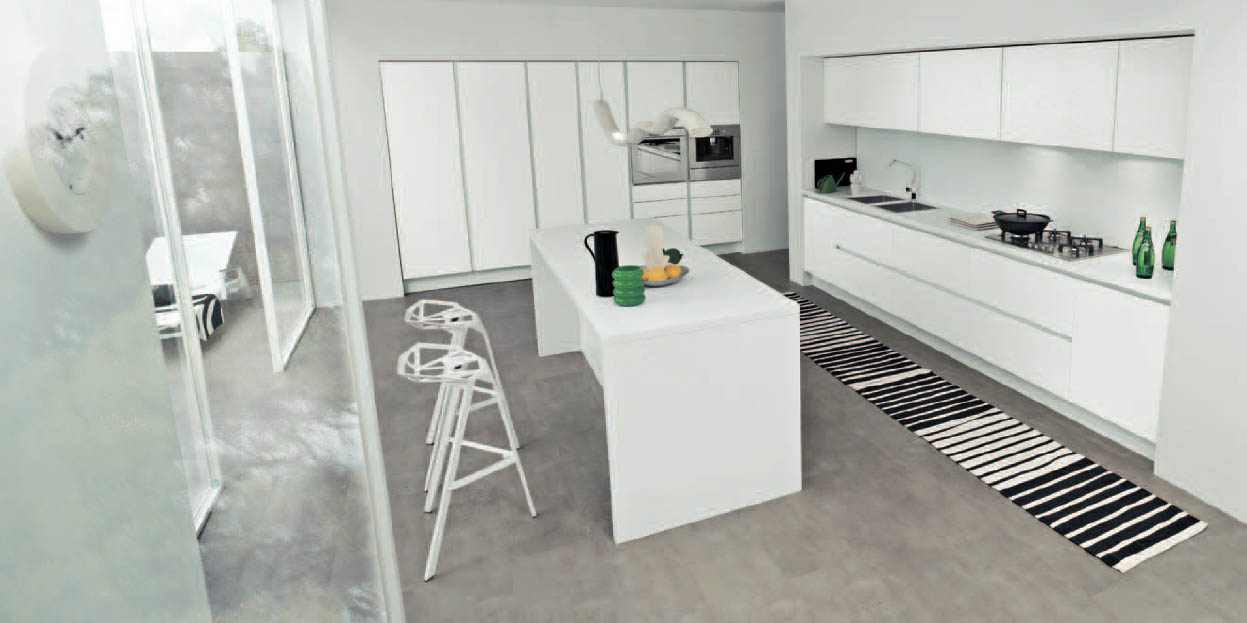 Cucine Classiche Moderne Bianche: Cucine bianche e argento arredamenti ...